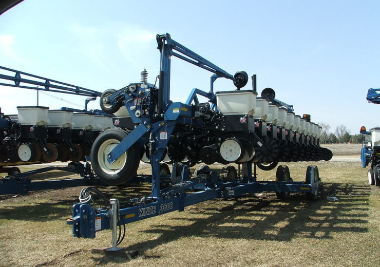 Kinze launches new planter with enhancements and narrow transport Mach Till